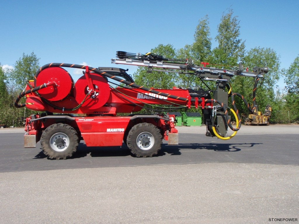 Manitou MRT2150 with Stonepower drilling head